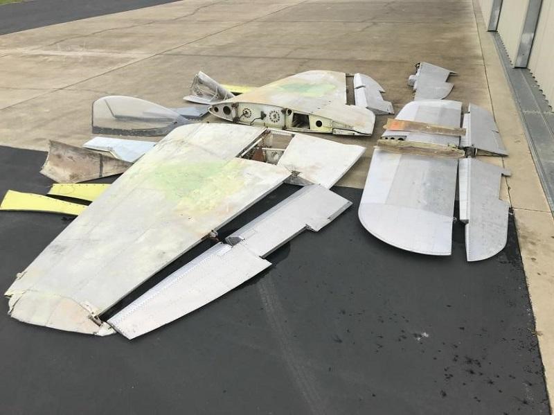 090 wings rudder horizontal stab etc left view.jpg