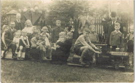 bevrijding 1944 met Sjef op de bok.JPG