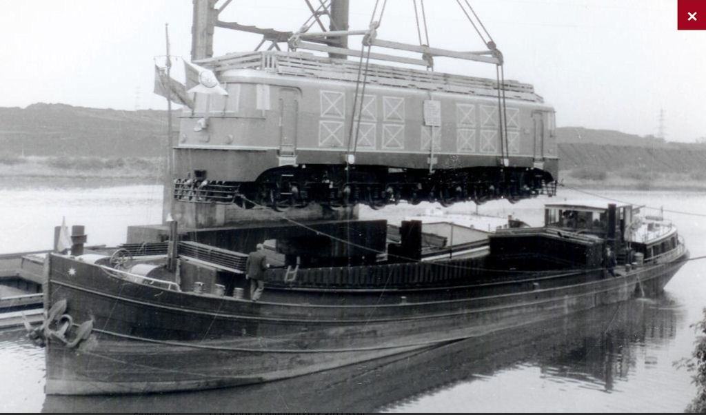gegerdi  bwj'28 de boot leiden - kopie.jpg