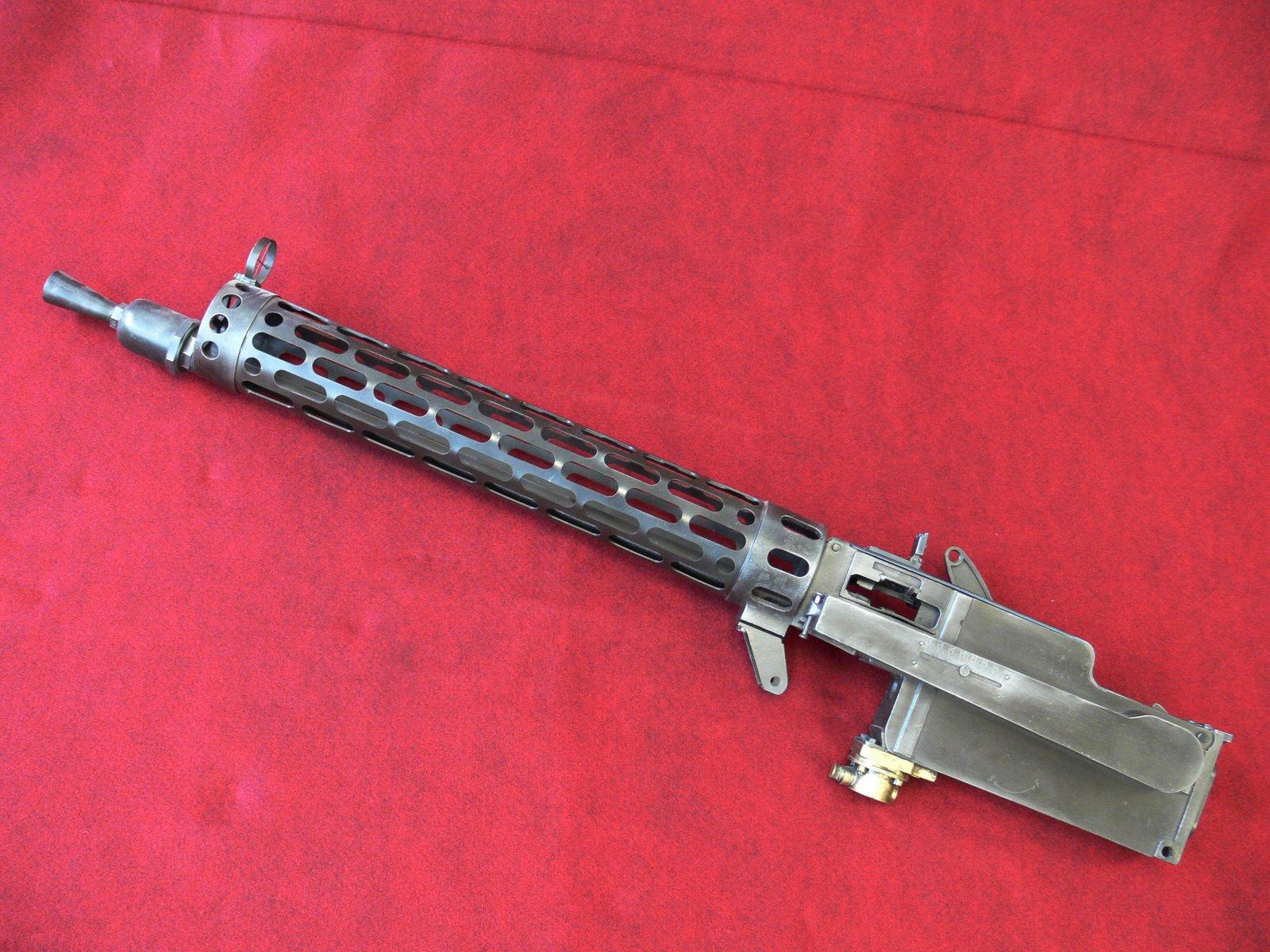 guns-lmg_08_15-s1.jpg