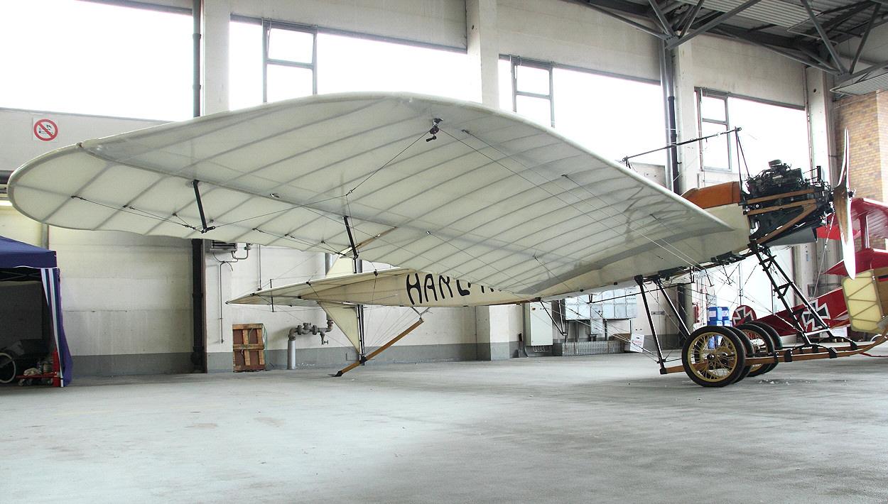Harlan-Eindecker---Milit-rtyp-von-1913.jpg