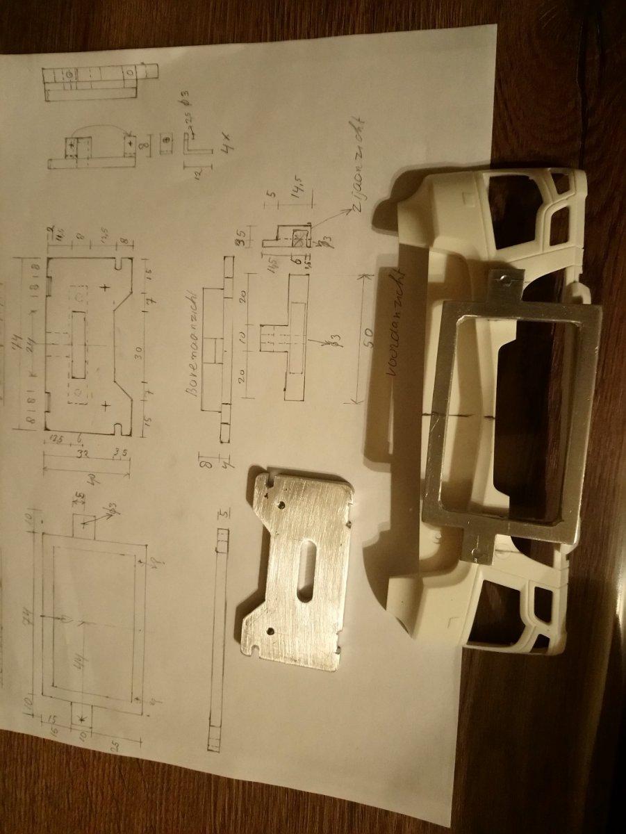 modelbouw voorplaat - kopie.JPG