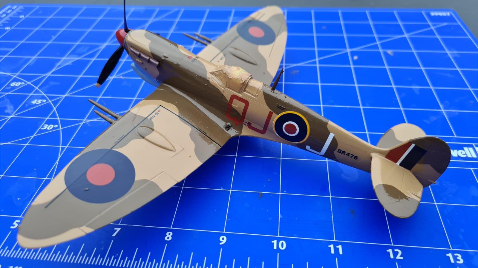 Revell Spitfire Mk.Vc (tropical) (1).jpeg