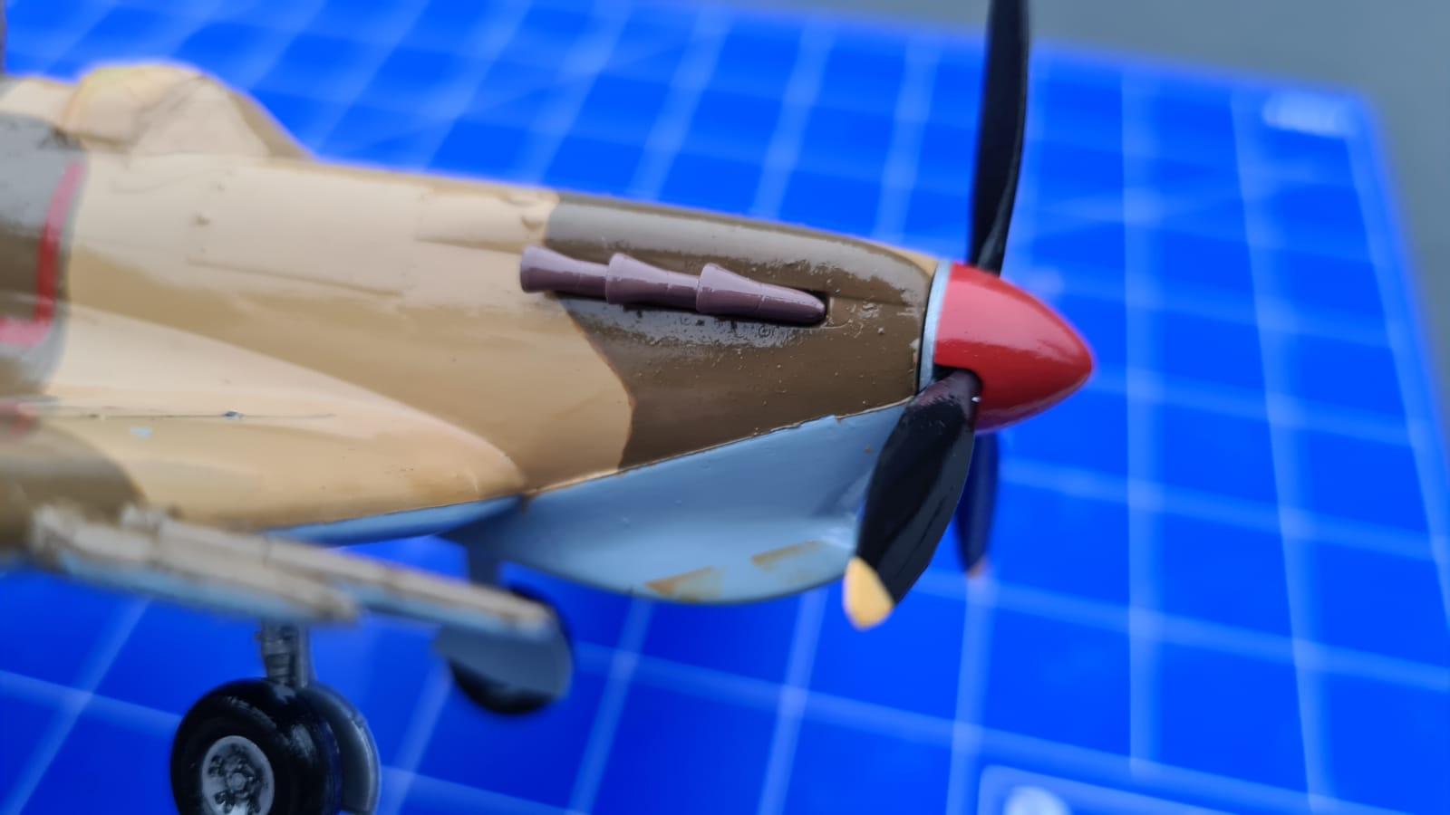 Revell Spitfire Mk.Vc (tropical) (2).jpeg