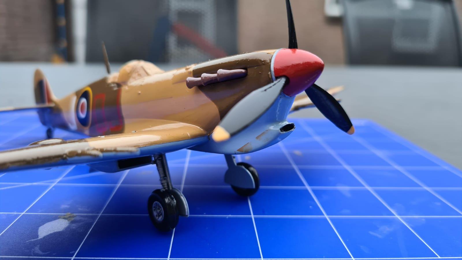 Revell Spitfire Mk.Vc (tropical) (3).jpeg